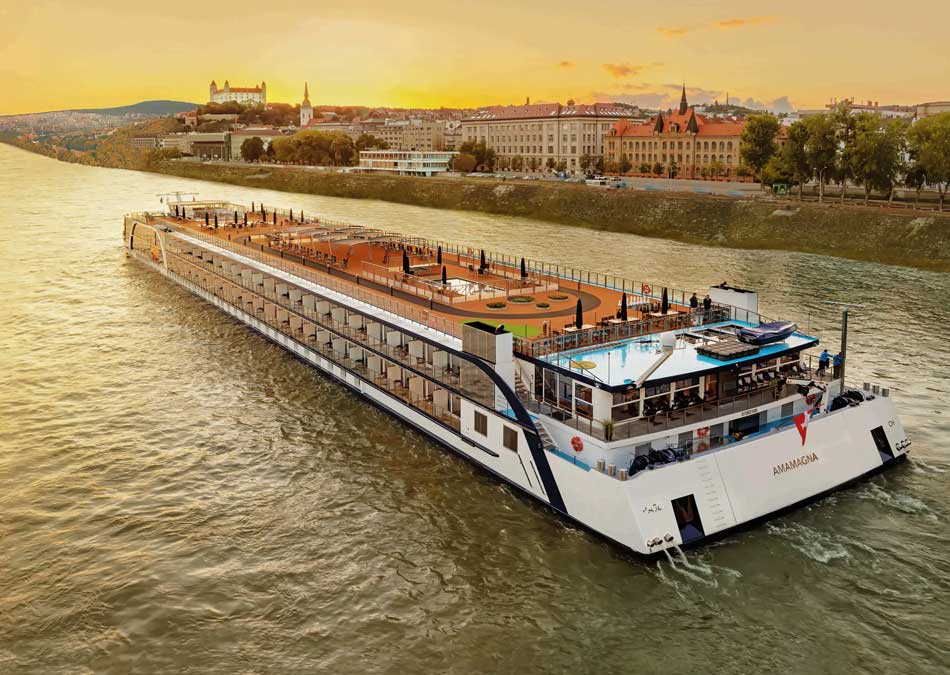 AmaMagna sailing down the Danube to Budapest