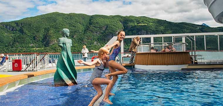 MS Finnmarken Pool