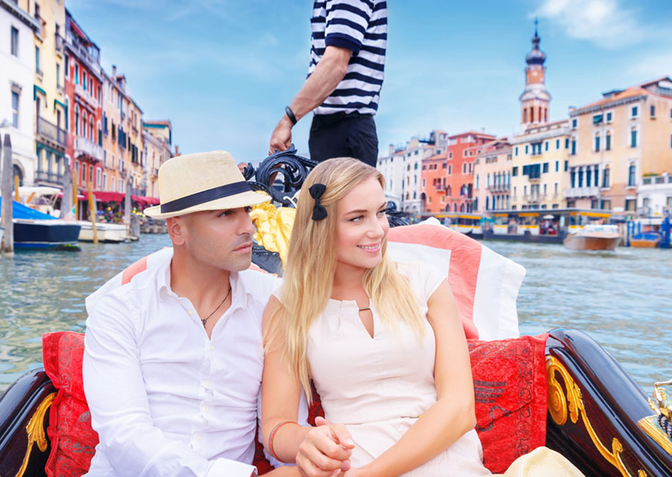 Romantic Grand Canal Tours in Italy