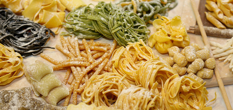 Participate in a fresh pasta class from the experts